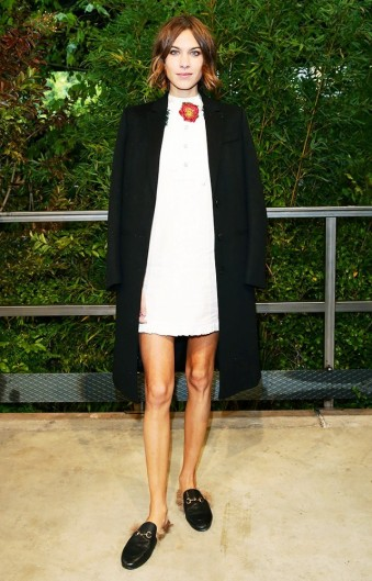 the-top-shoe-styles-that-celebrities-are-wearing-this-season-1588402-1449613750.640x0c.jpg